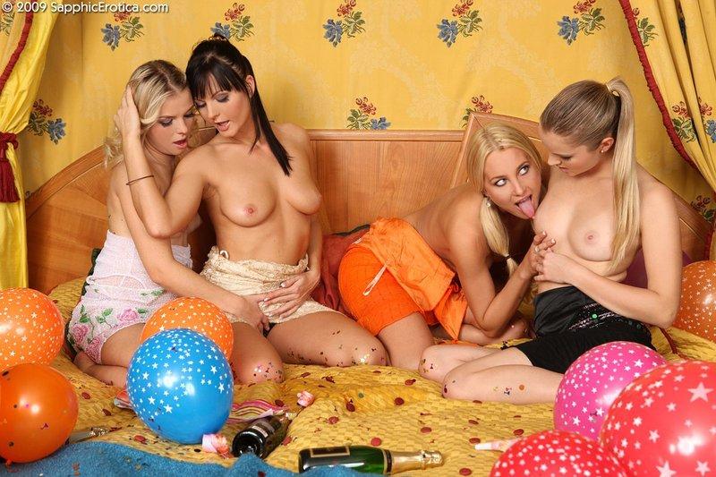 Фото онлайн русские лесбиянки